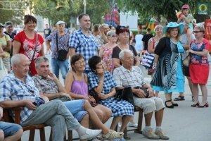 Фото выступления Александра Пяткова на Привокзальной площади Феодосии #3505