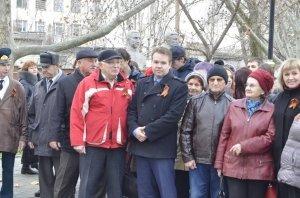 Фото митинга в честь Дня Героев Отечества в Феодосии #6236