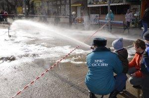 Фото показательных выступлений и техники МЧС в Феодосии #6423