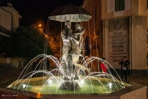 Фото фонтана влюбленных в Феодосии #2350