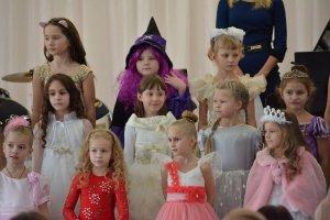 Фото новогоднего концерта в музыкальной школе №1 Феодосии #6367