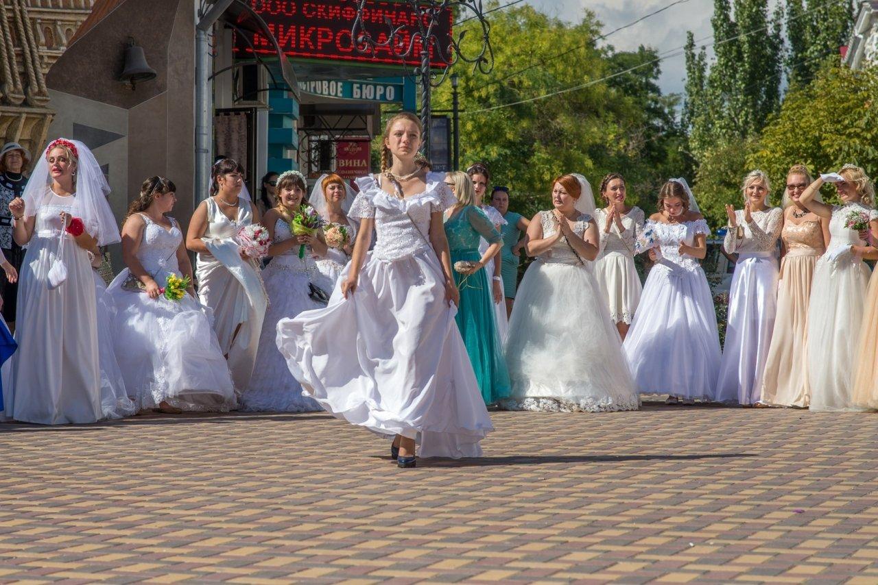 Фото фестиваля невест 2017 в Феодосии #4364