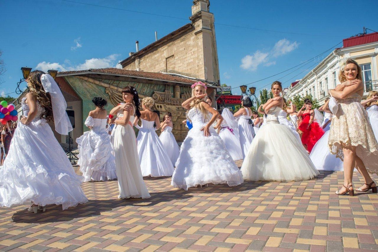 Фото фестиваля невест 2017 в Феодосии #4372