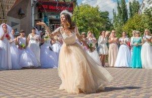 Фото фестиваля невест 2017 в Феодосии #4448