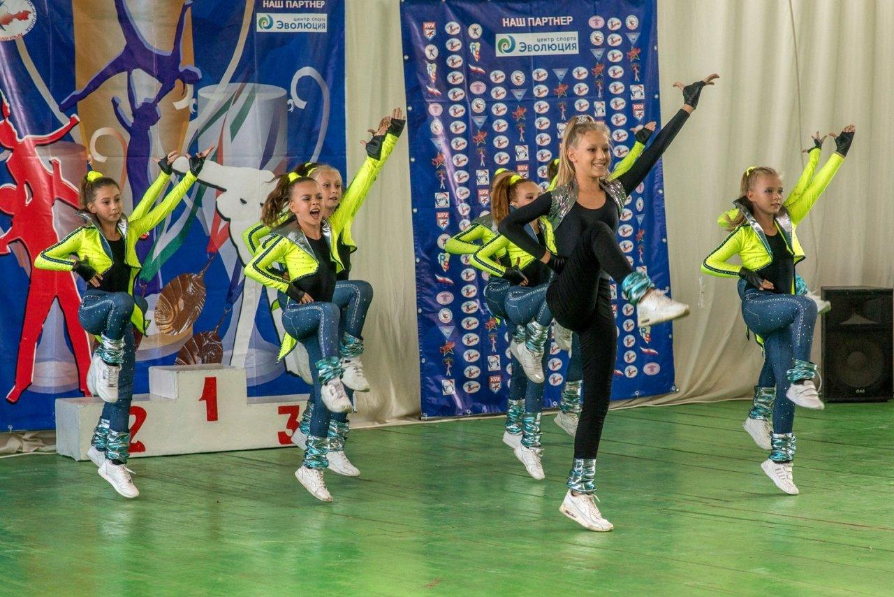 Первенство города Феодосии по акробатическому рок-н-роллу #4275